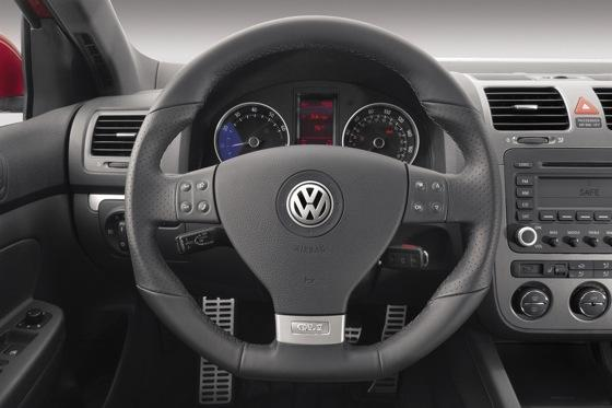 2006-2009 Volkswagen GLI: Used Car Review featured image large thumb15