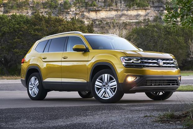 2018 Volkswagen Atlas vs. 2017 Toyota Highlander: Which Is Better? featured image large thumb1
