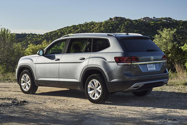 2018 Volkswagen Atlas vs. 2017 Toyota Highlander: Which Is Better? featured image large thumb5