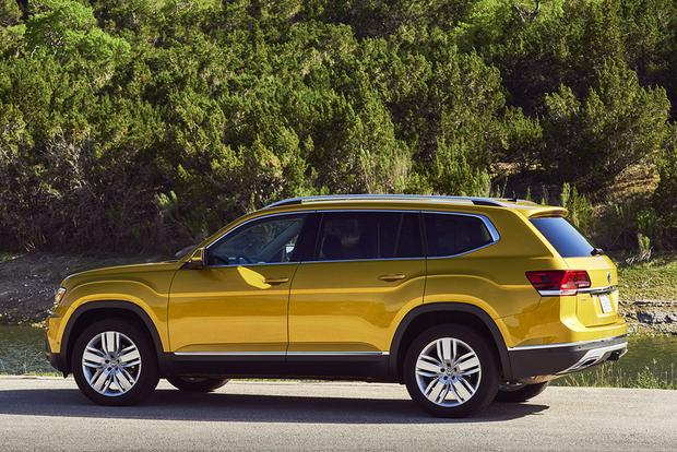2018 Volkswagen Atlas vs. 2017 Toyota Highlander: Which Is Better? featured image large thumb3