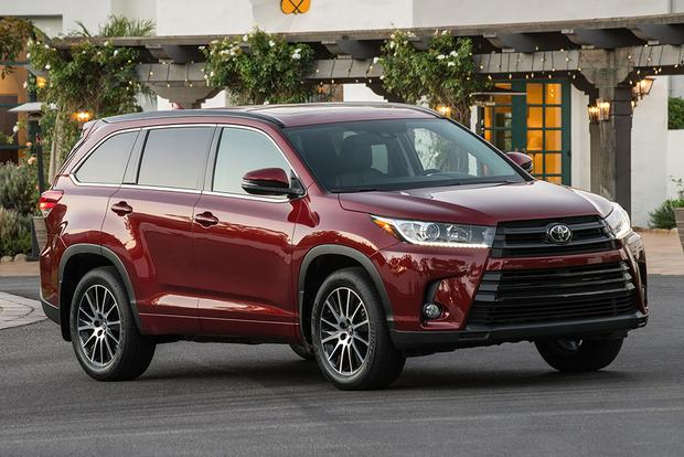 2018 Volkswagen Atlas vs. 2017 Toyota Highlander: Which Is Better? featured image large thumb2