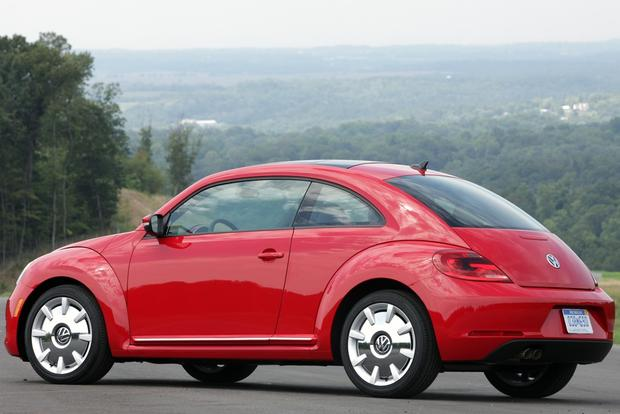 2013 Volkswagen Beetle: New Car Review featured image large thumb9