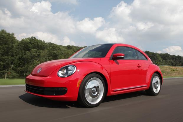 2013 Volkswagen Beetle: New Car Review featured image large thumb12