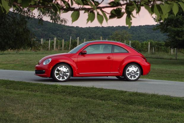 2013 Volkswagen Beetle: New Car Review featured image large thumb14