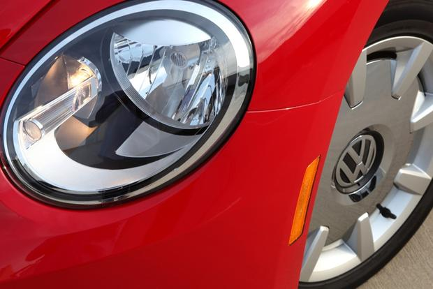 2013 Volkswagen Beetle: New Car Review featured image large thumb15