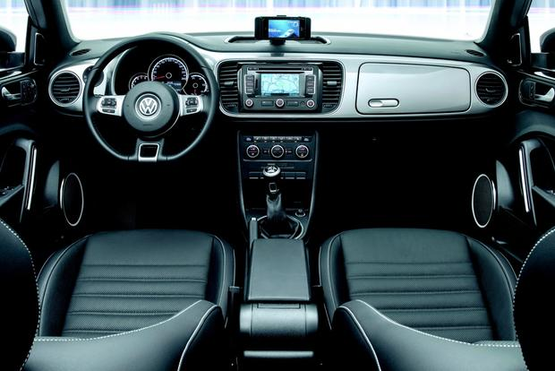VW Beetle Joins with Apple to Create iPhone-Compatible iBeetle