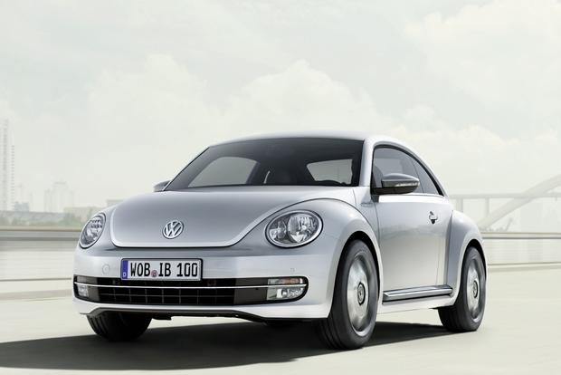 VW Beetle Joins with Apple to Create iPhone-Compatible iBeetle featured image large thumb1