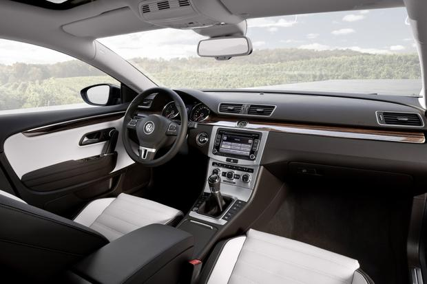 2013 Volkswagen CC: New Car Review featured image large thumb7