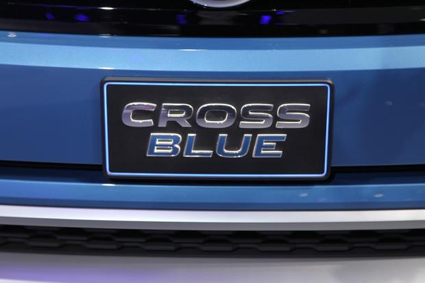 VW CrossBlue Concept: Detroit Auto Show featured image large thumb13