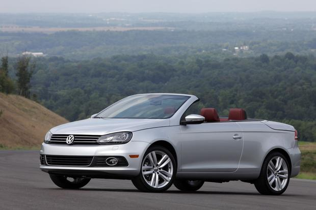 2013 Volkswagen Eos: New Car Review featured image large thumb0