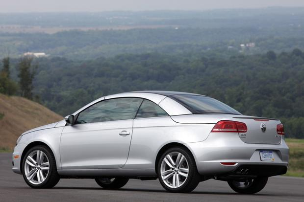 2013 Volkswagen Eos: New Car Review featured image large thumb1