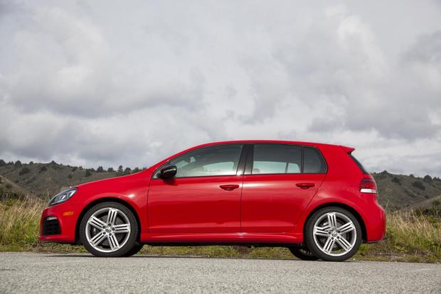 2013 Volkswagen Golf R: New Car Review featured image large thumb1