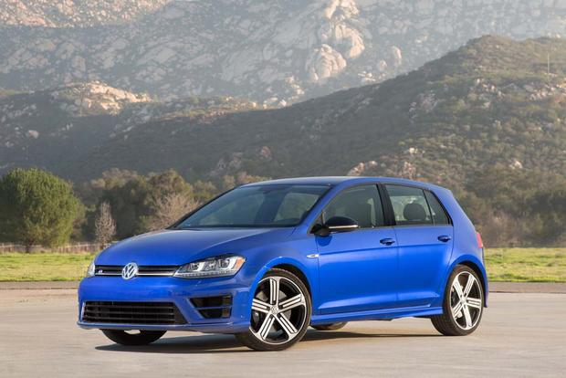 2016 Volkswagen Golf R: New Car Review featured image large thumb0