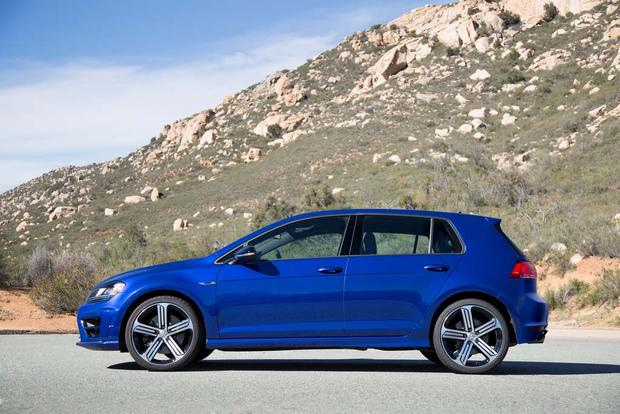 2016 Volkswagen Golf R: New Car Review featured image large thumb1