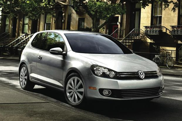 2013 Volkswagen Golf: New Car Review featured image large thumb0