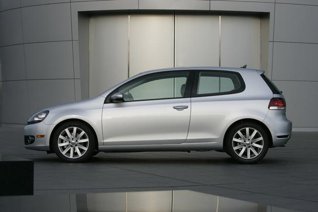 2013 Volkswagen Golf: New Car Review featured image large thumb1
