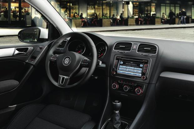 2013 Volkswagen Golf: New Car Review featured image large thumb3
