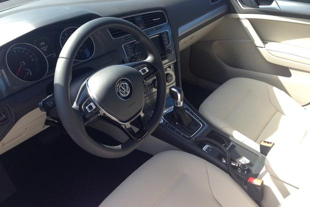 2015 Volkswagen e-Golf: First Drive Review featured image large thumb4