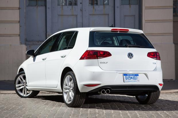 2015 Volkswagen Golf: New Car Review featured image large thumb1