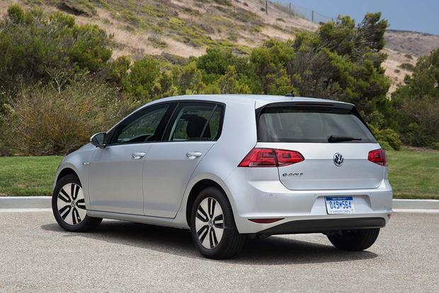 2016 Volkswagen E Golf New Car Review Featured Image Large Thumb3