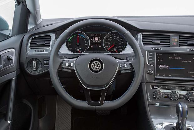 2016 Volkswagen E Golf >> 2016 Volkswagen E Golf New Car Review Autotrader