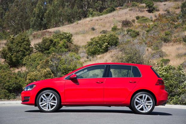 2016 Volkswagen Golf vs. 2016 Volkswagen Jetta: What's the Difference? featured image large thumb7