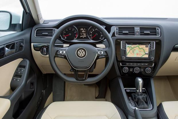 2016 Volkswagen Golf vs. 2016 Volkswagen Jetta: What's the Difference? featured image large thumb6