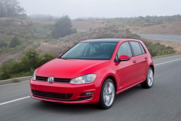 2017 Volkswagen Golf: New Car Review featured image large thumb0