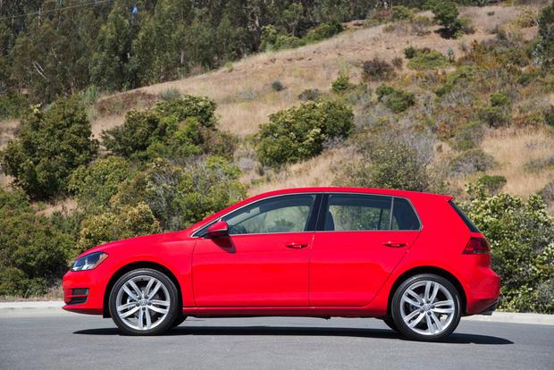 2017 Volkswagen Golf: New Car Review featured image large thumb1