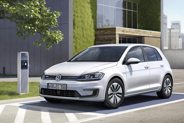 2017 Volkswagen e-Golf: New Car Review featured image large thumb0