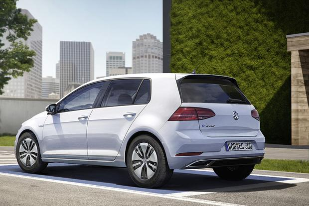2017 Volkswagen e-Golf: New Car Review featured image large thumb1