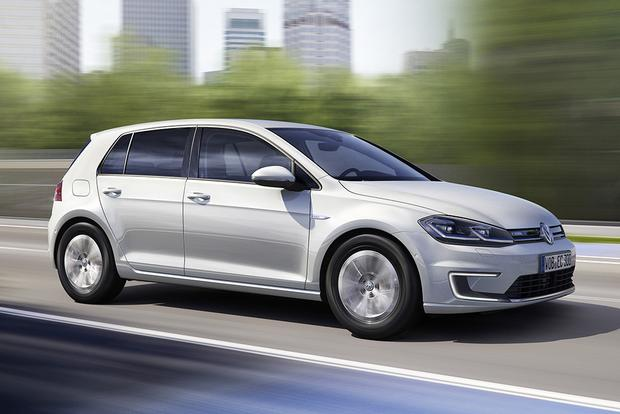 2017 Volkswagen e-Golf: New Car Review featured image large thumb2