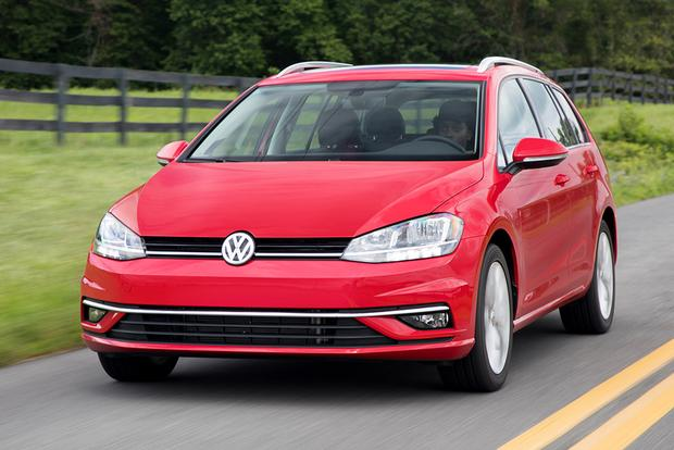 2018 Volkswagen Golf SportWagen: New Car Review featured image large thumb0