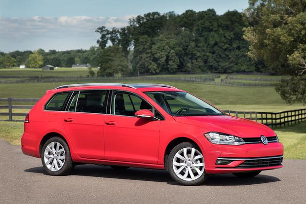 2018 Volkswagen Golf SportWagen: New Car Review featured image large thumb1