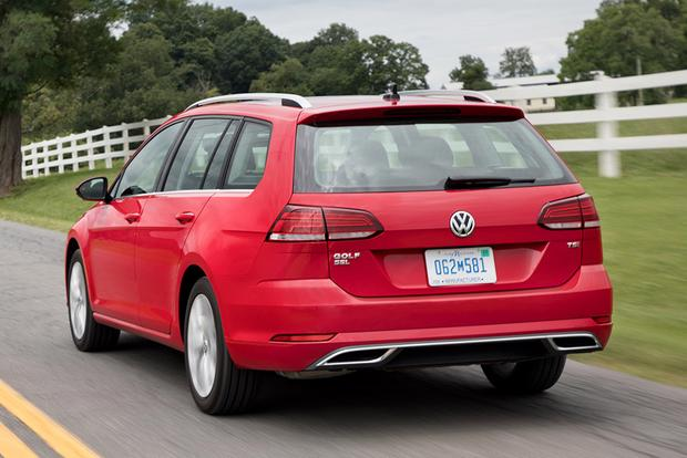 2018 Volkswagen Golf SportWagen: New Car Review featured image large thumb4