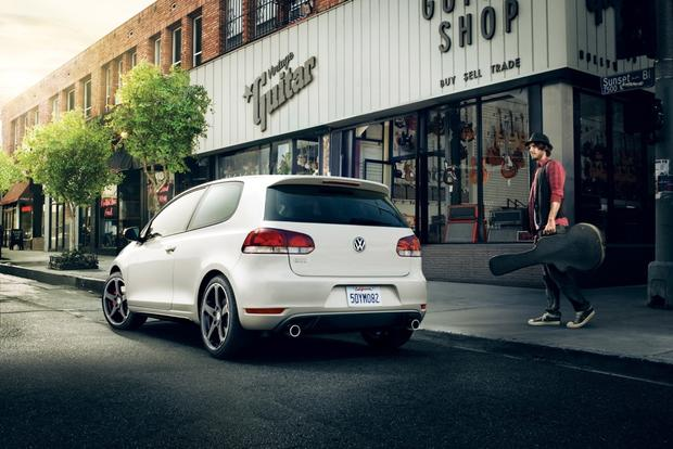 2013 Volkswagen GTI: New Car Review featured image large thumb3