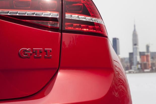 2015 Volkswagen Golf GTI: New Car Review featured image large thumb3