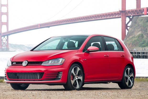 2014 vs 2015 volkswagen gti what 39 s the difference autotrader. Black Bedroom Furniture Sets. Home Design Ideas