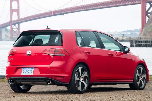2014 vs. 2015 Volkswagen GTI: What's the Difference? featured image large thumb1