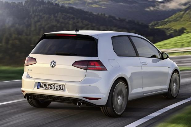 2014 vs. 2015 Volkswagen GTI: What's the Difference? featured image large thumb4