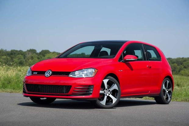2016 Volkswagen Golf GTI: New Car Review featured image large thumb2