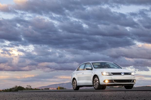 2013 VW Jetta Hybrid: Image Gallery OEM featured image large thumb2