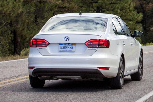 2013 VW Jetta Hybrid: New Car Review featured image large thumb3