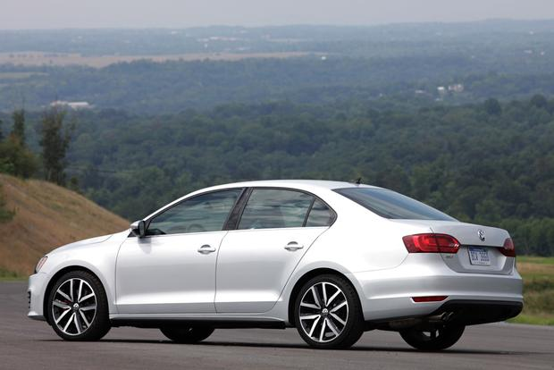 2013 Volkswagen Jetta: New Car Review featured image large thumb1