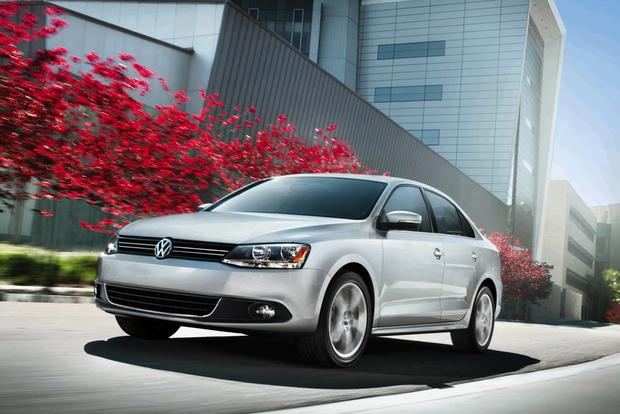 2013 Volkswagen Jetta: New Car Review featured image large thumb4