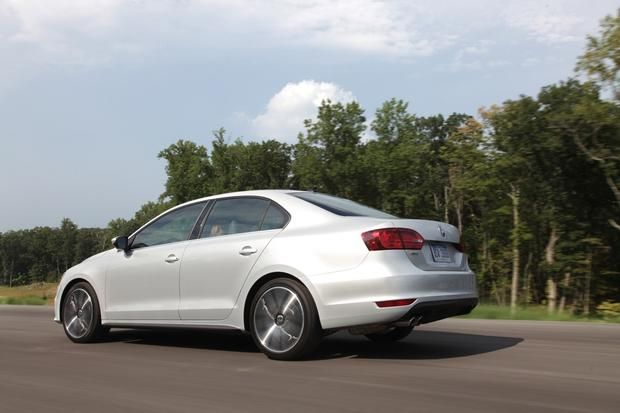 2013 Volkswagen Jetta: New Car Review featured image large thumb6