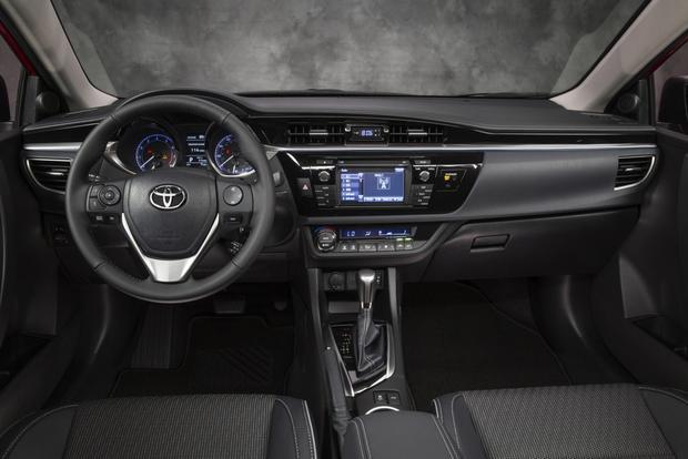Toyota Corolla Gas Mileage >> 2014 Toyota Corolla Vs 2014 Volkswagen Jetta Which Is Better