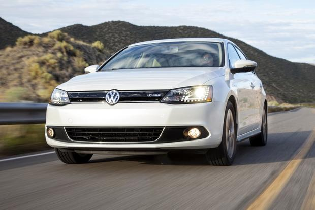 2014 Volkswagen Jetta Hybrid: New Car Review featured image large thumb1