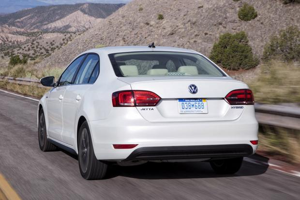 2014 Volkswagen Jetta Hybrid: New Car Review featured image large thumb2