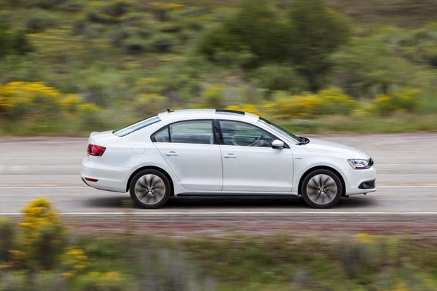 2014 Volkswagen Jetta Hybrid: New Car Review featured image large thumb4